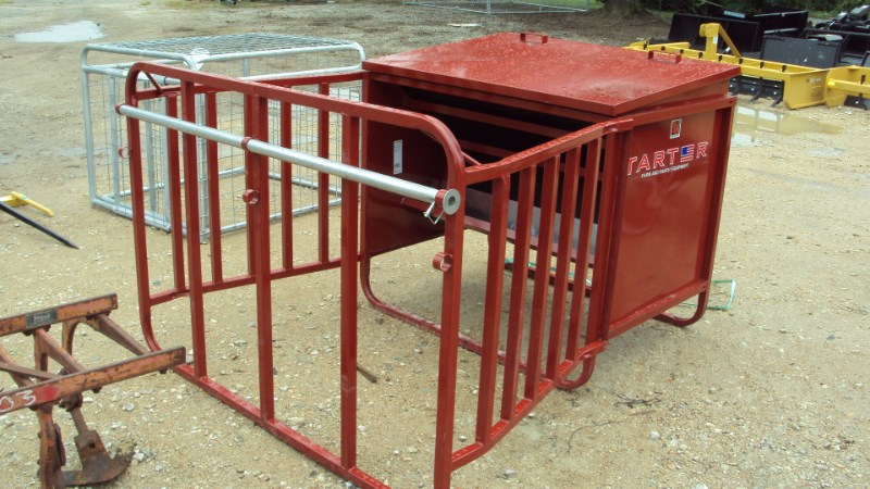 Tarter 650 Lbs calf creep feeder Misc. Ag For Sale
