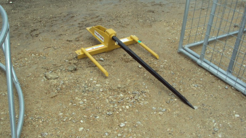Tarter Bucket mounted front end loader hay spear Bale Spear For Sale
