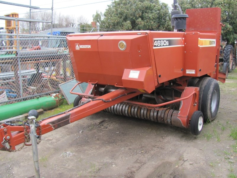 2002 Hesston 4690S Baler-Square For Sale