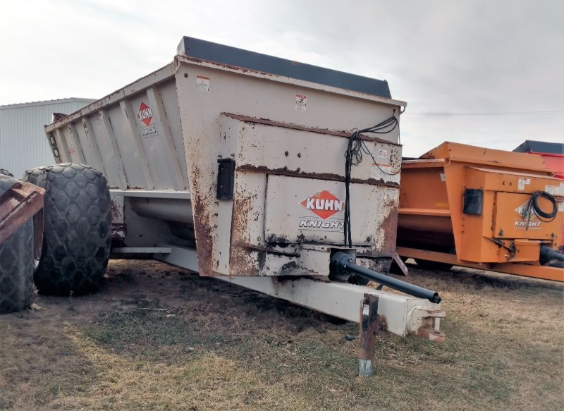 2007 Knight 8141TR Manure Spreader-Dry For Sale