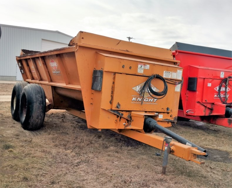 2008 Knight 8118 Manure Spreader-Dry For Sale