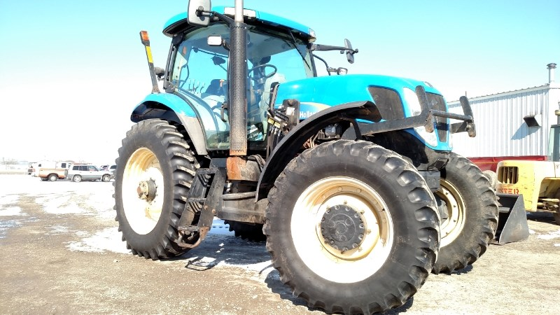 2009 New Holland T7030 Tractor For Sale