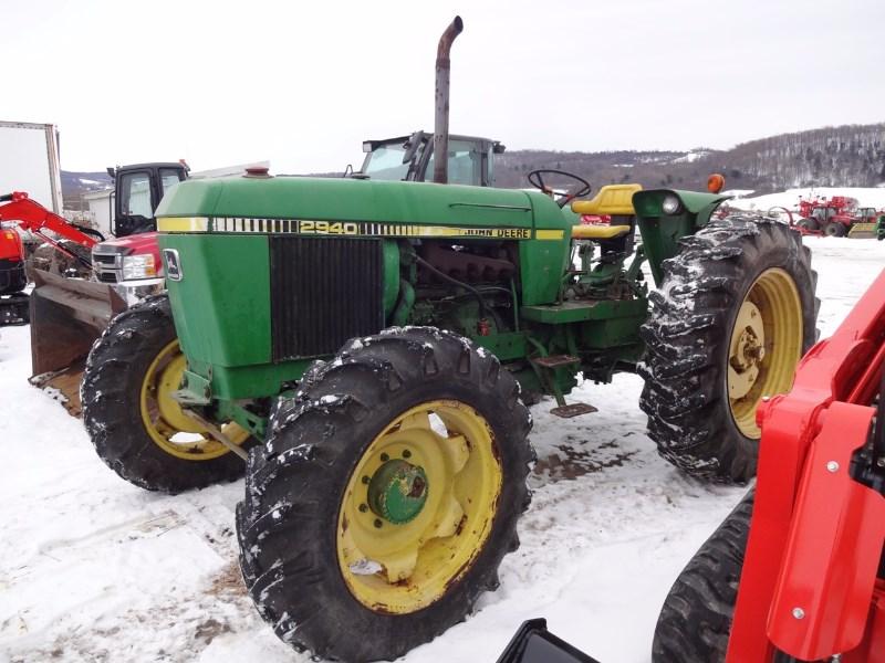 1981 John Deere 2940 Tractor For Sale