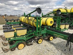Planter For Sale 1991 John Deere 7200