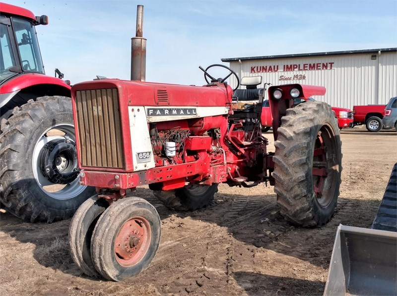 International 656 Tractor For Sale