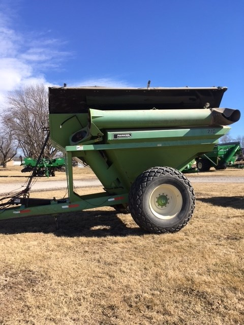 Parker 710 Grain Cart For Sale