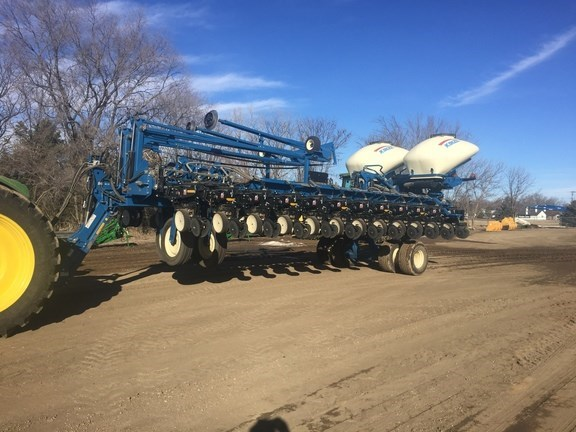 2013 Kinze 3700 Planter For Sale
