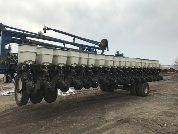 2008 Kinze 3700 Planter For Sale