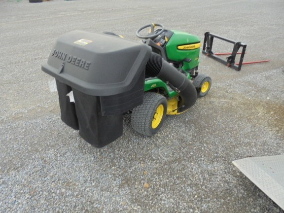2009 John Deere X304 Riding Mower For Sale
