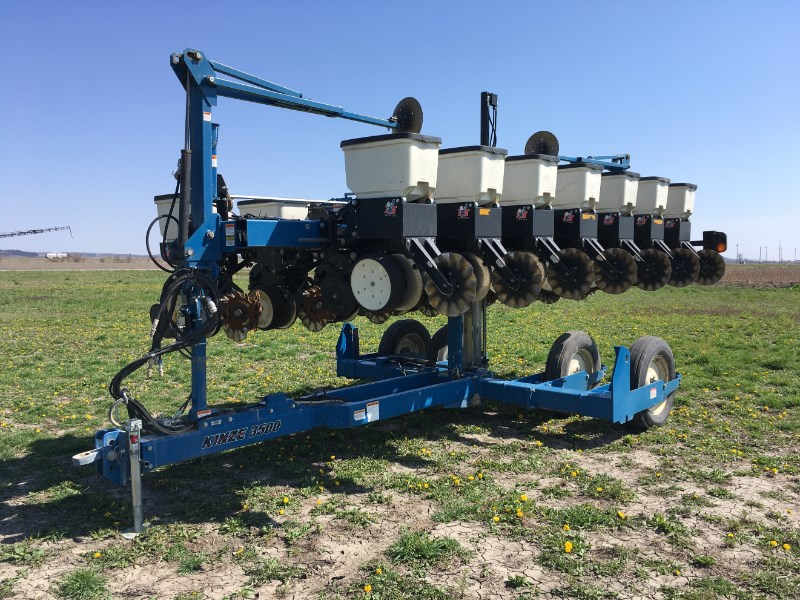 2010 Kinze 3500 Planter For Sale
