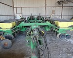 Planter For Sale: 2001 John Deere 1780