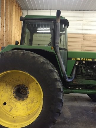 1989 John Deere 4755 Tractor For Sale