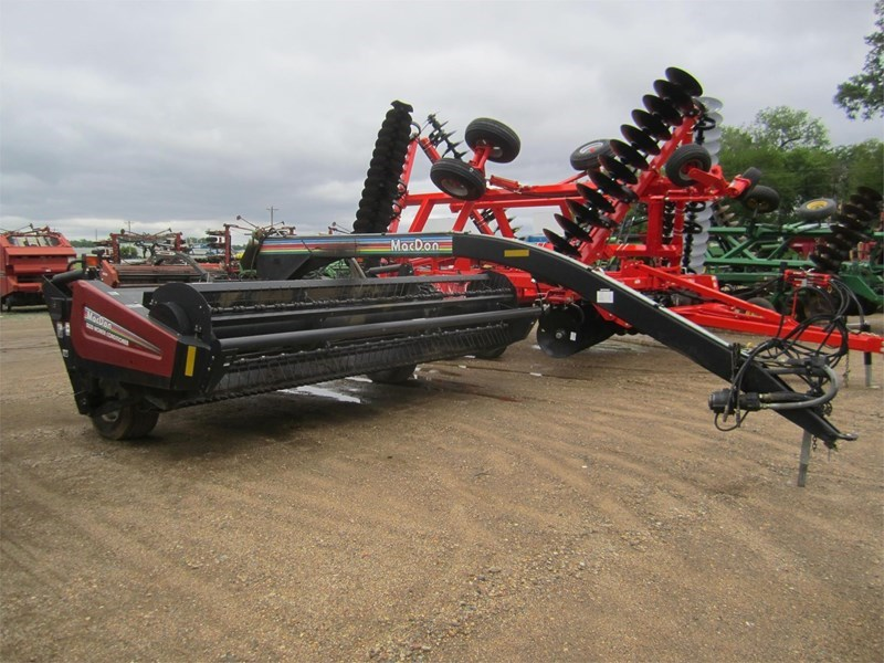2003 MacDon 5020 Mower Conditioner For Sale