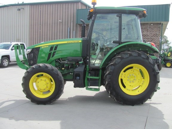 2015 John Deere 5085E Tractor For Sale