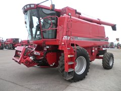 Combine For Sale 2005 Case IH 2377