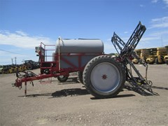 Sprayer-Pull Type For Sale 2002 Redball 670