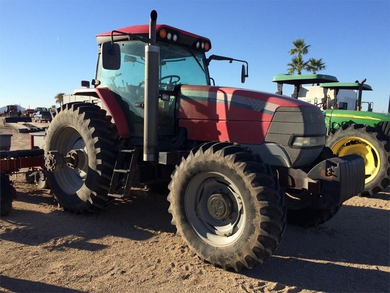 2010 McCormick XTX200 Tractor