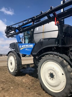 Sprayer-Self Propelled For Sale 2011 New Holland SP.240F