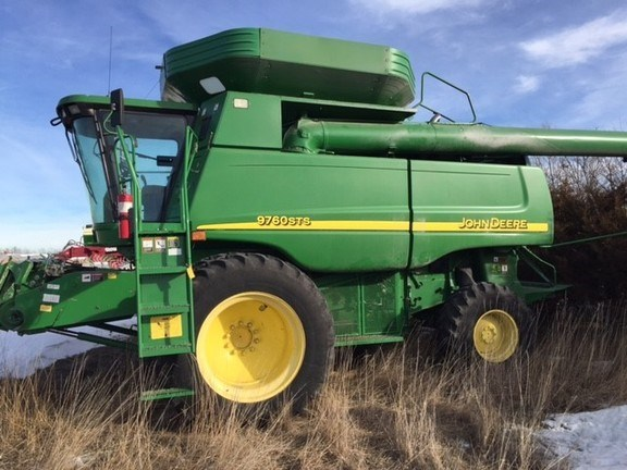 2005 John Deere 9760 STS Combine For Sale