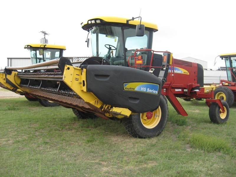 2009 New Holland H8040 Windrower-Self Propelled For Sale