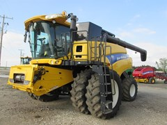 Combine For Sale 2011 New Holland CR9060 , 415 HP
