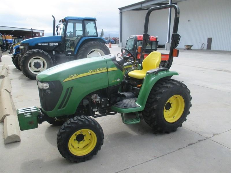 2007 John Deere 3720 Tractor For Sale
