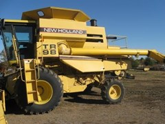 Combine For Sale 1997 New Holland TR98 , 270 HP