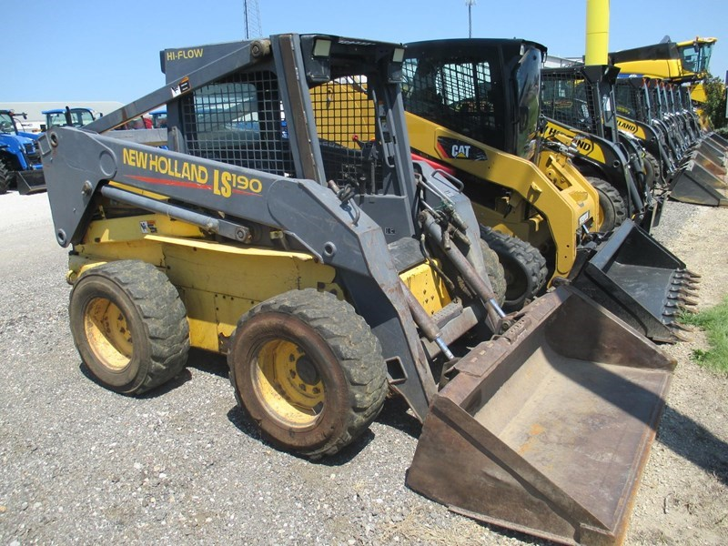 2001 New Holland LS190 Skid Steer For Sale
