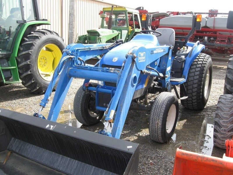 2009 New Holland BOOMER 3045 Tractor For Sale