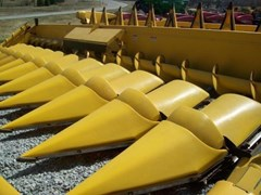 Header-Row Crop For Sale 2008 New Holland 99C
