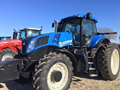 Tractor For Sale 2011 New Holland T8.330 , 284 HP