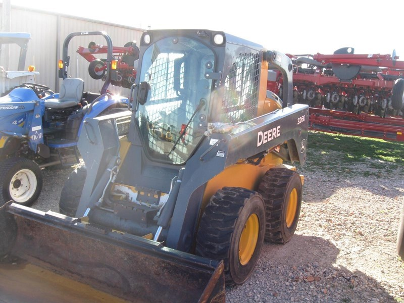 2014 John Deere 326E Skid Steer For Sale