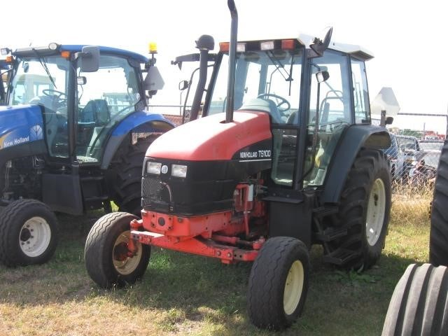 2000 New Holland TS100 Tractor For Sale