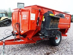 Feeder Wagon-Portable For Sale:  2010 Kuhn Knight 3130