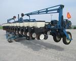 Planter For Sale: Kinze 3600