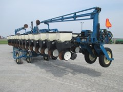 Planter For Sale:  Kinze 3600
