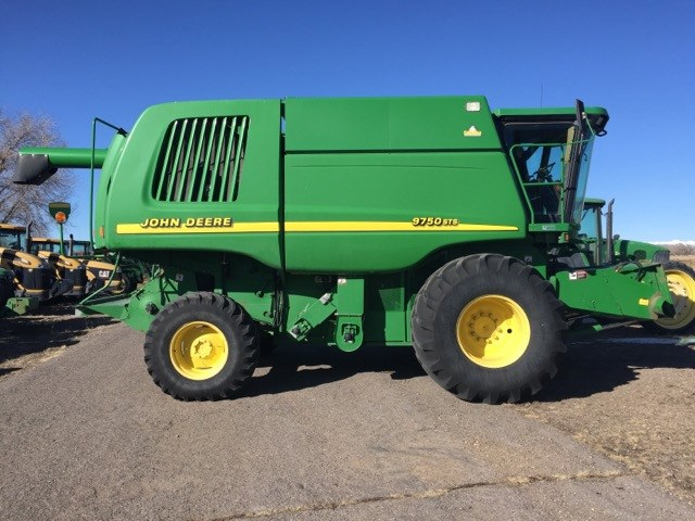 2000 John Deere 9750 STS Combine For Sale