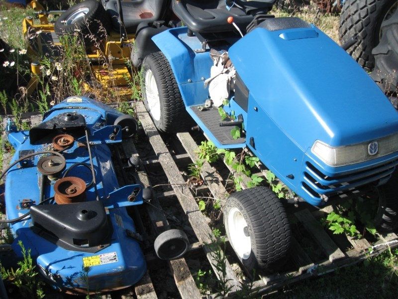 1996 New Holland LS45 Riding Mower For Sale