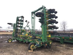 Planter For Sale:  1998 John Deere K&M BAR