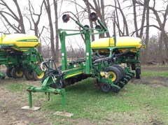 Planter For Sale:  2009 John Deere 1770NT