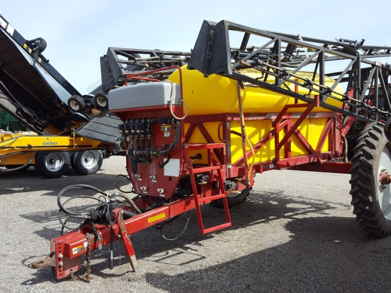 2003 Redball 670 Sprayer-Pull Type For Sale