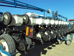 Planter For Sale 2005 Kinze 3600 16