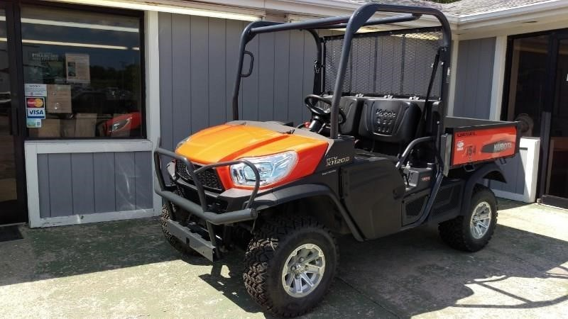2014 Kubota RTVX1120DW Utility Vehicle