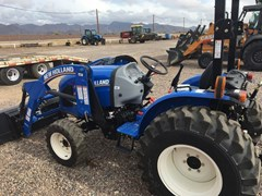 Tractor :  New Holland WM33