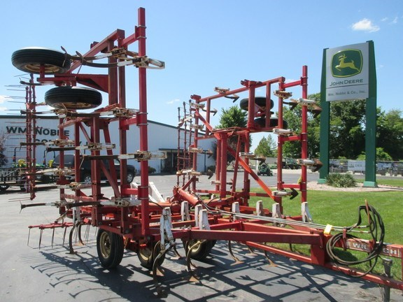 Wil-Rich 26 Field Cultivator For Sale