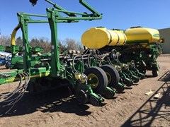 Planter For Sale:  2010 John Deere 1770NT