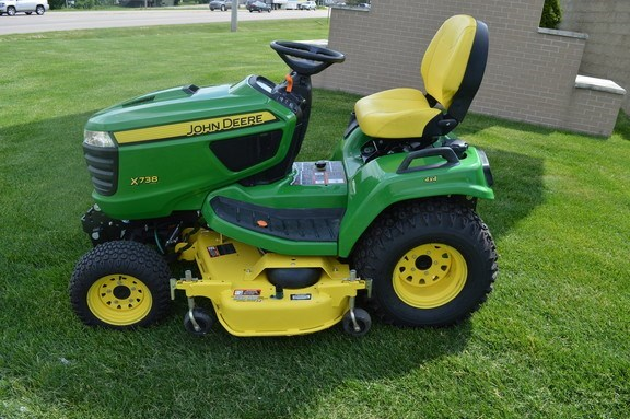 2014 John Deere X738 Riding Mower For Sale
