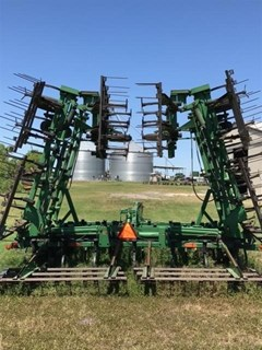 Field Cultivator For Sale:  1998 John Deere 980