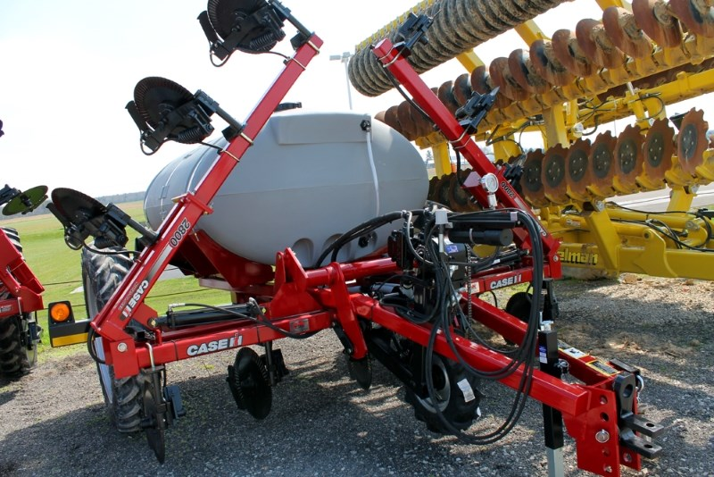 2017 Case IH 2800-11 Liquid Fertilizer-Pull Type For Sale