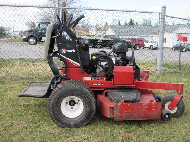 2015 Exmark VTS740EKC60400 Riding Mower For Sale